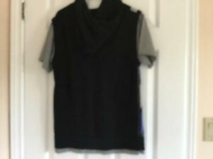 Excellent Le CHATEAU Hooded Short Sleeve Sweater size M London Ontario image 3