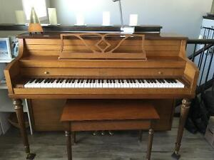 Price reduced Apartment size piano