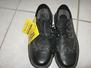 DOC MARTIN'S SHOES MEN OR WOMEN - NEW w/tags