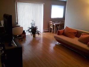 1 bedroom with balcony Dec 1st - 15 Louisa St