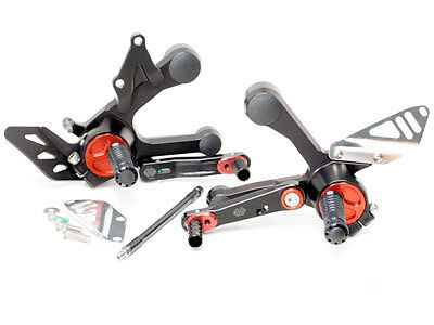 GILLES TOOLING ADJUSTABLE REARSETS BLACKRED <em>YAMAHA</em> MT 09 2014 ON RCT1