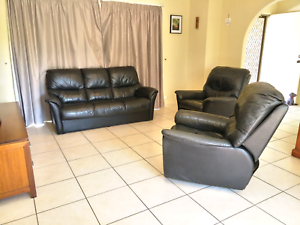 Black leather lounge suite Manly West Brisbane South East Preview