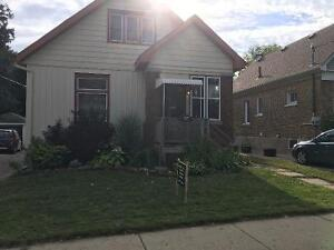 Bright and Spacious 2 bedroom on main floor