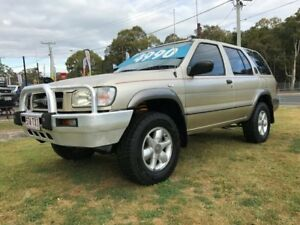 1999 Nissan Pathfinder ST (4x4) Gold 4 Speed Automatic 4x4 Wagon Clontarf Redcliffe Area Preview