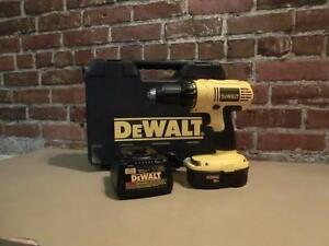 Perceuse Dewalt avec chargeur (i012712)