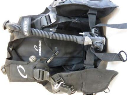 USED OCEANIC OCEANPRO Quick-lock SMALL BCD Scuba Dive