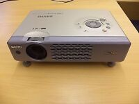 Sanyo projector with leads fully working