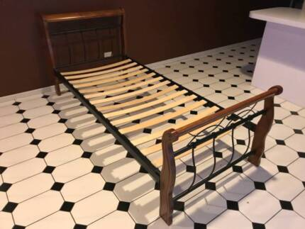 Single BED frame ***PERFECT CONDITION*** Can deliver