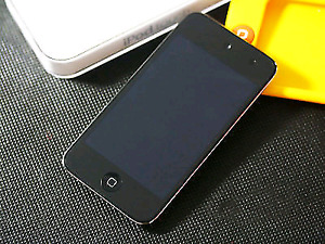iPod Touch 4th Gen 8GB + Logitech Z213 Speakers With Subwoofer