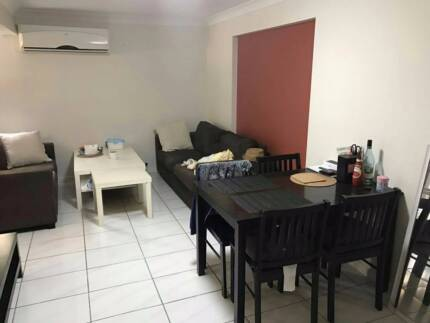 8 min to garden city, Granny flat with kitchen