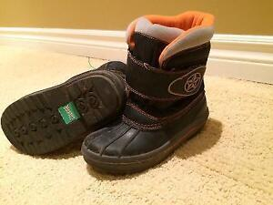 Cougar Winter Boots Size 10 Cambridge Kitchener Area image 1