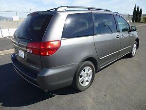 2005 Toyota Sienna Minivan, Van