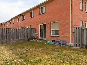 Offer Townhouse for rent in Richmond Hill Elgin Mills &Yonge St