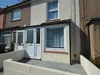3 BED HOUSE FOR RENT ONLY £1150PCM - NEWLY REFURBISHED, CLOSE TO TOWN CENTRE, STREET PARKING
