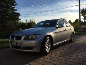2009 BMW 3-Series 323i Sedan 6 speed manual Safetied and Etested