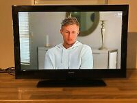 EXCELLENT 32 INCH CELCUS FREEVIEW HDMI TV ALSO FANTASTIC FOR GAMING