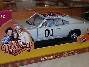 1:18 Scale Johnny Lightning White Chase General Lee