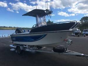 5m Fibreglass Centre Console fishing boat Mooloolaba Maroochydore Area Preview