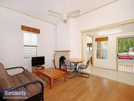 A big single room for rent at Spring Hill