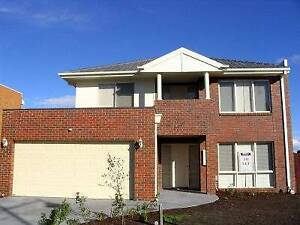 LARGE B/ROOM IN SPACIOUS FURNISHED HOME ..