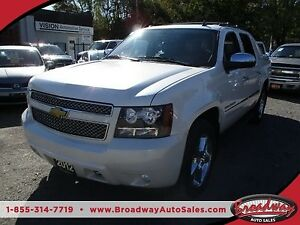 2012 Chevrolet Avalanche LOADED LTZ MODEL 5 PASSENGER 5.3L - V8.