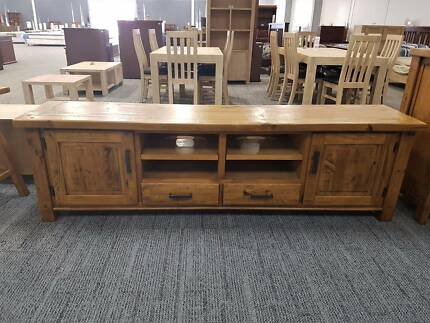 RRP700 Woolshed Distressed Oak Large Entertainment TV Unit