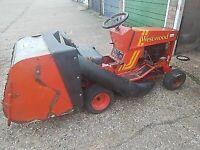 Ride on mower sit on tractor garden lawnmower