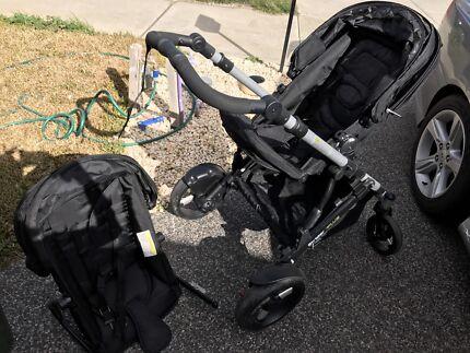 Black strider 2 Seat pram