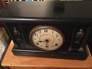 Beautiful Antique Sessions Mantle Clock - Made in USA - Works