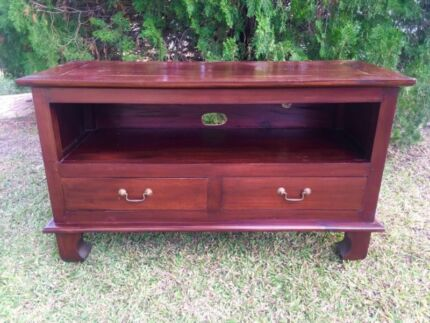 Beautiful Solid Wood TV Cabinet