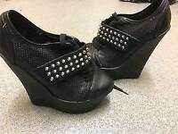 Kurt Geiger wedges size 5