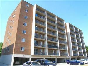 Huron and Adelaide: 945 and 955 Huron Street, 1BR London Ontario image 3