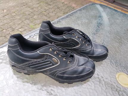 Niblick golf shoes. 12 Aberfoyle Park Morphett Vale Area Preview