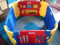 Childs playpen