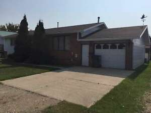 House for Sale by Auction - Theodore SK