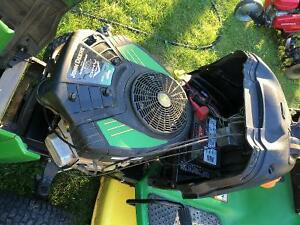 JOHN DEERE 135 riding mower, with lawn sweeper
