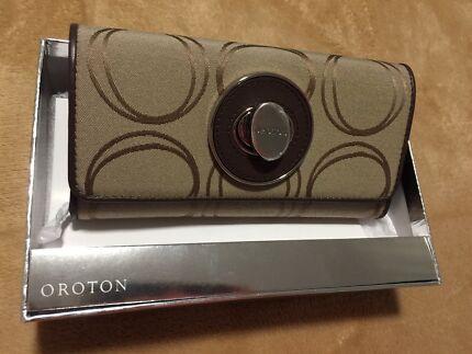 Wanted: Brand NEW Oronton wallet & Waist Trainer
