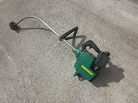GAS POWERED TRIMMER WEED EATER 15IN CUT - IN VERY GOOD CONDITION