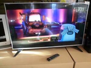 Télévision intelligente neuve 43 pouces LG (i008158)