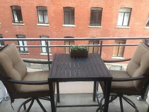 Patiotable and chairs