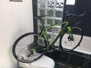 BRAND NEW (SIZE 54cm) CANNONDALE SYNAPSE ULTEGRA DISC ROAD BIKE