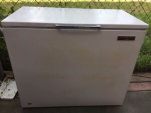 large 400 liter chest of freezer , can delivery at extra fee . Mont Albert Whitehorse Area Preview
