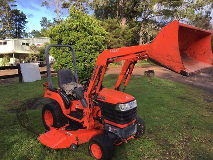 Kubota BX 1830 tractor front end loader mower deck