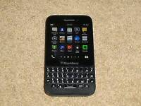 Blackberry Q5 / 8gb memory /unlocked/ for sale or swaps