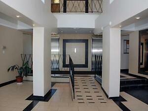 Camelot Towers - 981 Main Street West, Hamilton - 1 Bedroom...