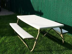Foldable picnic table for 6-8 people