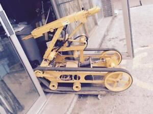 Disposal Robot  traction chenille télécommandé remote control save life extreme condition utility mining nuclear