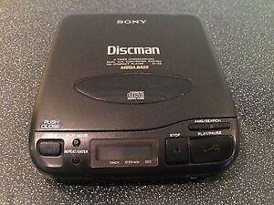 FS:SONY WALKMAN D-33 CD