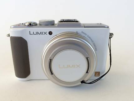 Panasonic Lumix DMC-LX7 - compact digital camera (white body)
