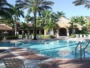 Ground floor, 2 br, 2ba, just steps to pool, condo - Naples
